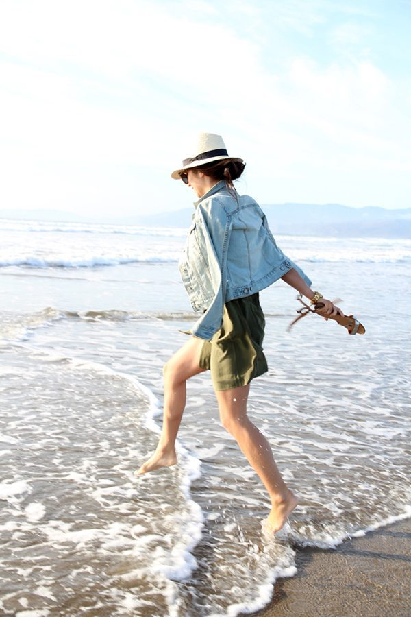 How To Dress For A Beach Vacation | Darling Magazine
