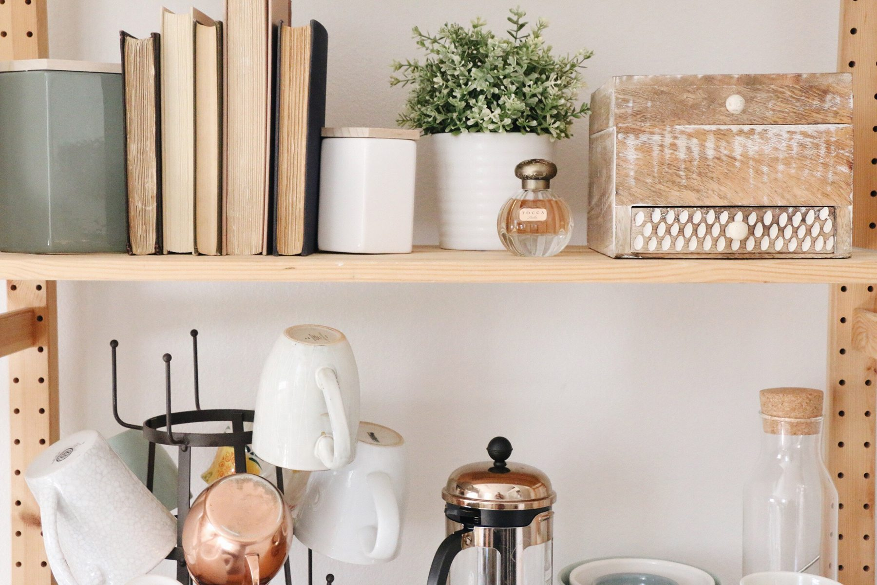 How to Style Your Dorm So That It Doesn't Feel Like a Dorm   DARLING
