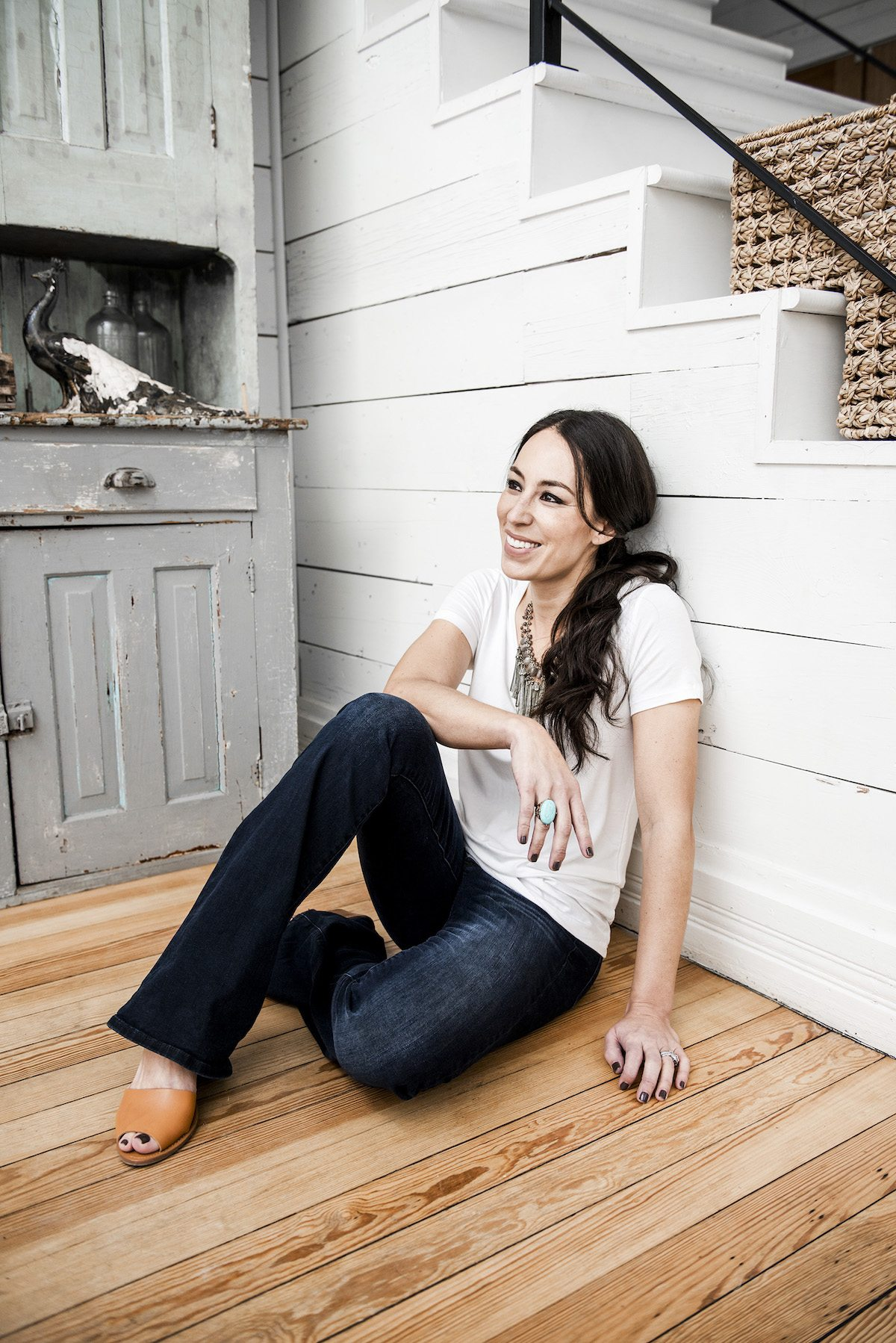 joanna gaines 39 if i could tell the younger generation something it would be 39 darling magazine. Black Bedroom Furniture Sets. Home Design Ideas